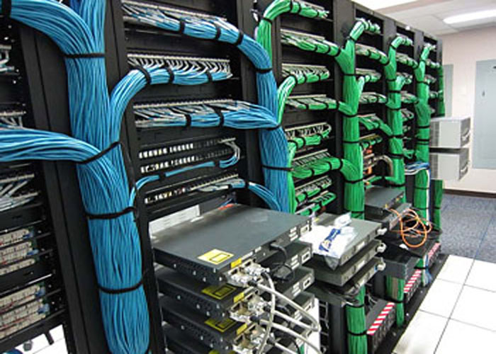 طراحی-راه-انـدازی-Room-Server